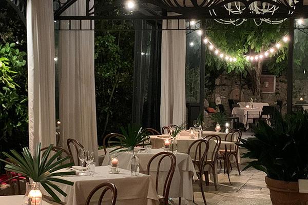 ristorante illuminazione tavoli